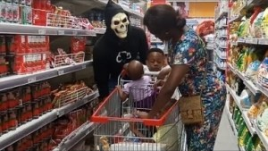 Video: Zfancy Tv Comedy - Scary Mask At People (African Pranks)